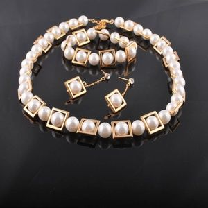 gold tone framed pearl jewelry set